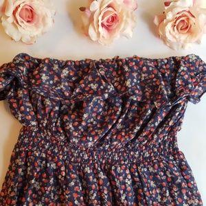[Torrid] Strapless Strawberry Embroidered Dressil